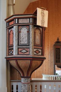 Leikanger kyrkje, preikestol, AMH 2015_redusert